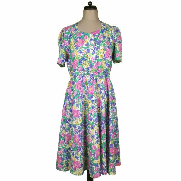 Virág mintás színes ruha