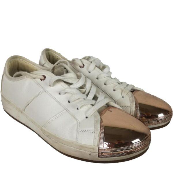 Divatos cipő