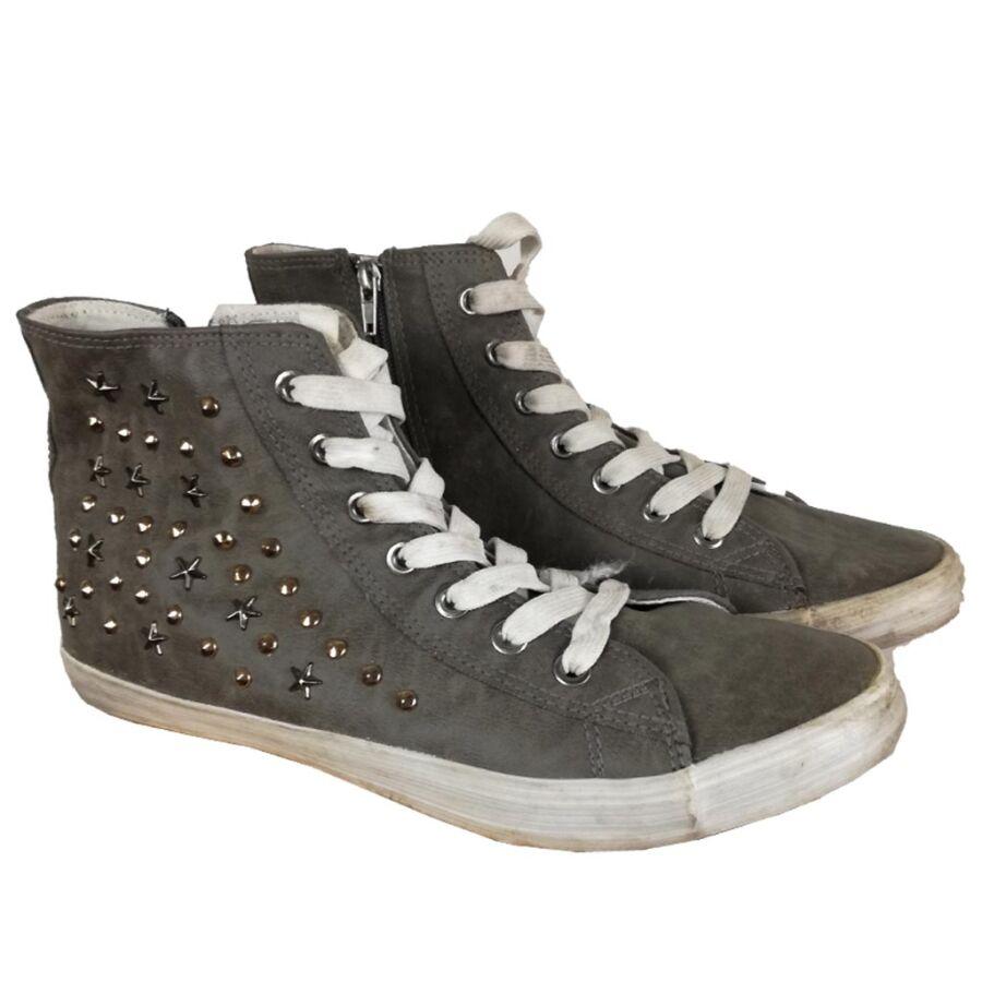 Strasszos tornacipő